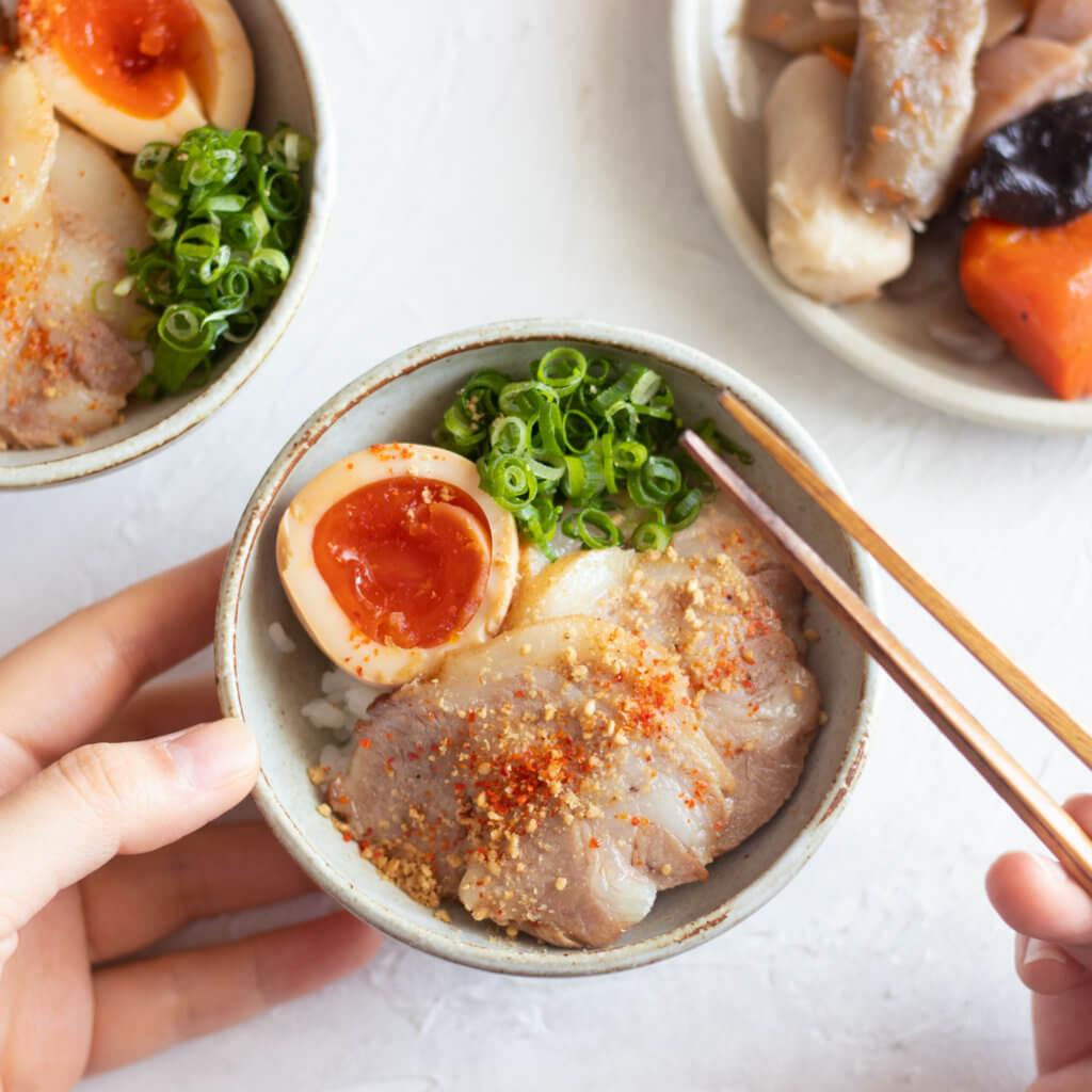 にんにく香るとろーり味玉のレシピと作り方。 料理研究家・フードコーディネーター藤井玲子のレシピと料理写真。れこれしぴ