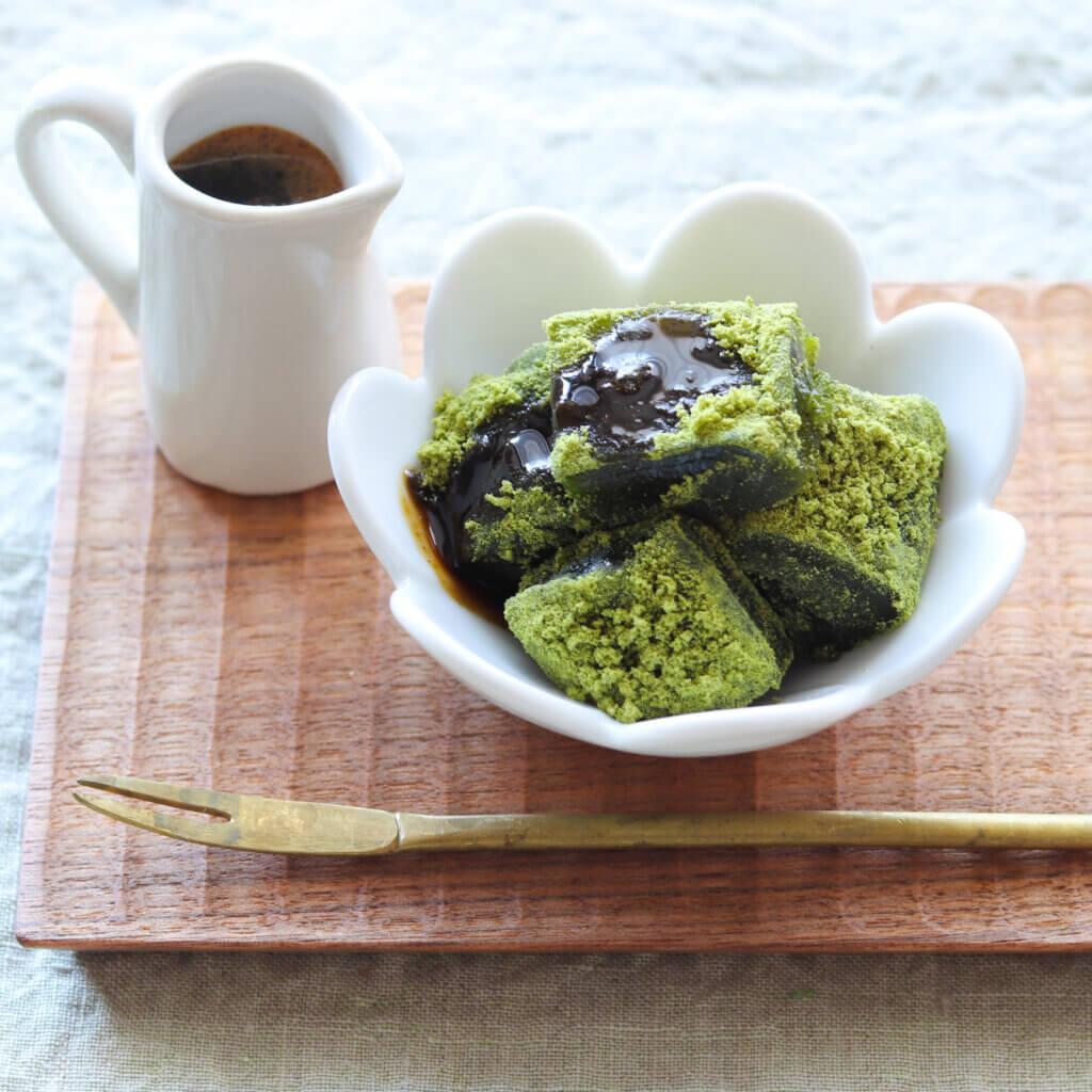 抹茶のわらび餅のレシピと作り方。スタイリングと写真の撮り方。 料理研究家・フードコーディネーター藤井玲子のレシピと料理写真。れこれしぴ