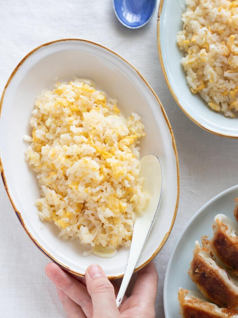 シンプル が1番!我が家の極上パラパラチャーハンのレシピと作り方。スタイリングと料理写真の撮り方。 料理研究家・フードコーディネーター藤井玲子のレシピと料理写真。れこれしぴ