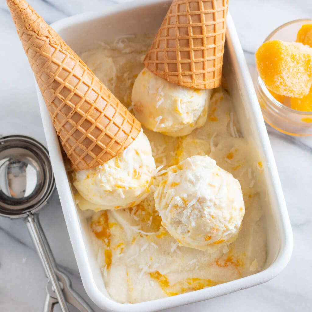 ココナツとマンゴーのアイスクリームのレシピと作り方。スタイリングと料理写真の撮り方。 料理研究家・フードコーディネーター藤井玲子のレシピと料理写真。れこれしぴ