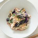 薬味たっぷり!なすとささみの梅和えのレシピと作り方。スタイリングと料理写真の撮り方。 料理研究家・フードコーディネーター藤井玲子のレシピと料理写真。れこれしぴ