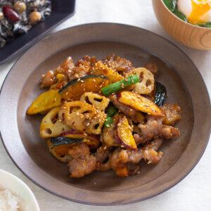 根菜と豚こまの甘辛炒めのレシピと作り方。 料理研究家・フードコーディネーター藤井玲子のレシピと料理写真。れこれしぴ