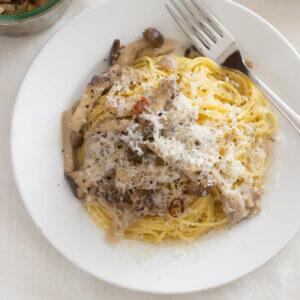 きのこたっぷりオイルパスタのレシピと作り方。 料理研究家・フードコーディネーター藤井玲子のレシピと料理写真。れこれしぴ