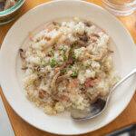きのことベーコンのブラックペッパーピラフのレシピと作り方。 料理研究家・フードコーディネーター藤井玲子のレシピと料理写真。れこれしぴ